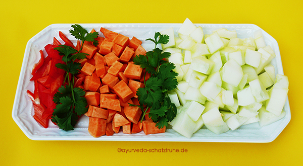 schmorgurken Curry Gericht ayurvegan